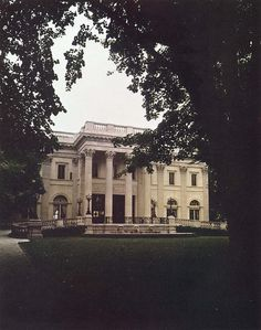 William Vanderbilt's Marble House | More here: http://mylusciouslife.com/period-dramas-and-historical-movies/