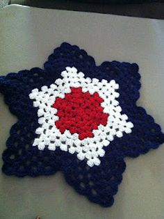 Crochet: Round Granny Ripple Free Pattern (maybe do this in all white like a snowflake - would be nice for nana to use as a holiday buffet hot plate)