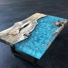 Wood Resin Table, Epoxy Resin Wood, Resin Art, Live Edge Furniture, Table Furniture, Coffee Table Design, Wood Design, Wood Crafts, Woodworking Projects