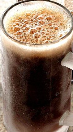 Here's a quick and easy way to enjoy homemade root beer almost instantly. If you crave the old-fashioned version, made with yeast and fermented a few days, use the recipe for Homemade Root Beer. Homemade Rootbeer Recipe, Homemade Liquor, Homemade Root Beer, Non Alcoholic Drinks, Cocktail Drinks, Beverages, Cocktails, Refreshing Drinks, Summer Drinks