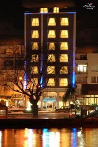 #Otel #Oteller #OtelRezervasyon - #Sinop, #SinopMerkez - Otel Bossinop Sinop Merkez - http://www.hotelleriye.com/sinop/otel-bossinop-sinop-merkez -  Genel Özellikler 24-Saat Açık Resepsiyon, Gazeteler, Sigara İçilmeyen Odalar, Asansör, Hızlı Check-In/Check-Out, Emanet Kasası, Isıtma, Bagaj Muhafazası, Klima Otel Etkinlikleri Balık tutma, Dart, Kütüphane Otel Hizmetleri Oda Servisi, Çamaşırhane, Kuru Temizleme, Odaya Servis Kahvaltı, Ütü Hizm...