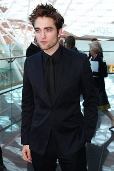 .Robert Pattinson  -  Water for Elephants Premiere - London *sigh*  :-)
