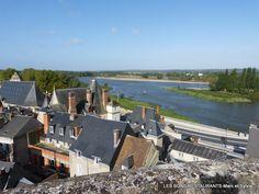 Amboise(37)-Vue panoramique des terrasses du château!