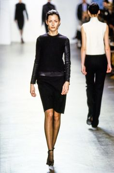 Calvin Klein Collection Fall 1999 Ready-to-Wear Fashion Show - Danielle Zinaich