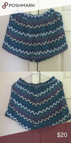 Chevron Shorts Used but in excellent condition. Used once. 100% Viscose. Color: multi. 2 front pockets. Stretchable. H&M Shorts