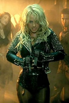 I don't really care for Britney, but damn that's a cool jacket!!