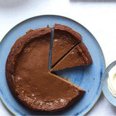 ginger chocolate cheesecake, this is a recipe by Gordon Ramsay- one of our all time favorites! We leave out the ginger (only coz that's how we like it) and it's good served with some marscapone.