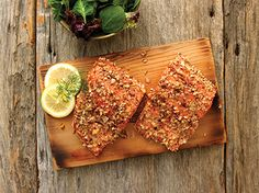 This wild-caught salmon Copper River Salmon is so delicious, it just needs a little bit of pepper and lemon for a perfect preparation. Copper River Salmon, Grilled Salmon Recipes, Cedar Planks, No Cook Meals, Avocado Toast, Grilling, Good Food, Lemon, Stuffed Peppers