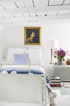 See our favorite white bedrooms and browse through our favorite white bedroom pictures, including white bedroom furniture, white decor, and more. Bedroom Walls, Cozy Bedroom, Bedroom Colors, Girls Bedroom, Bedroom Decor, Bedroom Rustic, Home Design, Design Blogs, Design Ideas