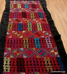 palestinian embroidery - Google Search Palestine History, Palestinian Embroidery, Santa Fe, Stitches, Cross Stitch, Quilts, Google Search, Rugs, Embroidery