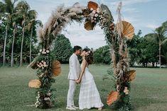 Casamento boho em tarde agradável e cheia de amor na Bahia – Lore Love Days, Weeding, Backdrops, Wreaths, Home Decor, Boho Wedding, Wedding Boutonniere, Outdoor Ceremony, Wedding Details