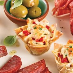 Coupelles de jambon et salami Calabrese - 5 ingredients 15 minutes Pate Won Ton, Muffins, Tzatziki, Tapas, Cauliflower, Healthy Snacks, Sandwiches, Food And Drink, Appetizers