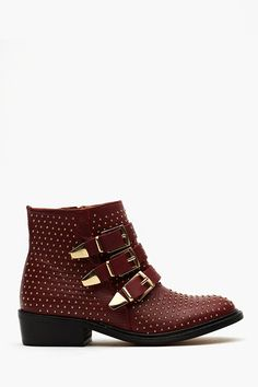 Who Buckled Boots: Maroon. Gold. Studs!