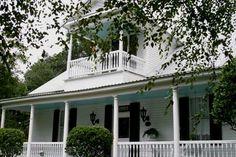 Google Image Result for http://www.hauntedhouses.com/photos/la-lafayette-5880.jpg
