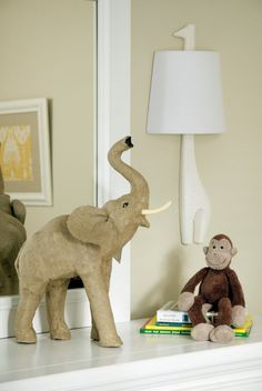 giraffe lamp... I think I need one of those too... ;)