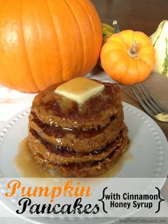 I'm SO ready for fall! These grain-free pumpkin pancakes would be perfect! Plus, the cinnamon honey syrup recipe sounds so easy! Primal Recipes, Whole Food Recipes, Cooking Recipes, Healthy Recipes, Pumpkin Pancakes, Pancakes And Waffles, Pancakes Cinnamon, Paleo Pancakes, Honey Syrup