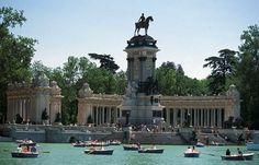 Best-design-guides-top-10-things-to-do-in-madrid-retiro-park