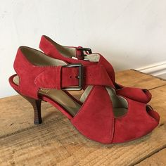 3e691a294bd2d3 UK SIZE 6.5 WOMENS CLARKS RED VINTAGE LOOK PEEP TOE STRAPPY HEELS SANDALS   Clarks
