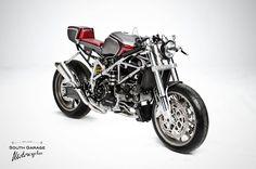 Ducati 749 Cafe Racer custom: http://www.returnofthecaferacers.com/2012/03/ducati-749-cafe-racer-custom.html