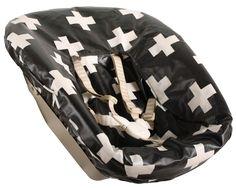 Stokke Newbornhoes gecoat, zwart met witte plusjes. www.ukje.nl #Ukje #Newbornhoes