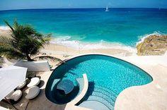 Amazing pool..