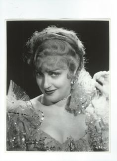 Double weight, original photo of Jeanette MacDonald from The Merry Widow (1934) - ESCANO COLLECTION