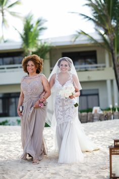 Mothers Day. Bride in @watterswtoo Cinzia gown.