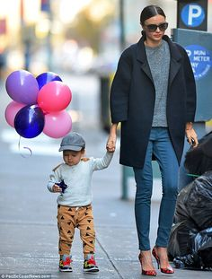 Miranda Kerr has nailed the power jacket and skinny jeans combo