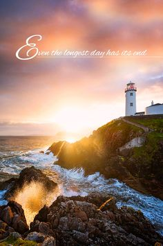 With the crash of waves against the cliffs below and the spellbinding Northern Lights above, there's nothing quite like the Inishowen Peninsula. Irish Sayings, Irish Quotes, The Good Place, Ireland, Northern Lights, Waves, Amazing, Irish, Nordic Lights