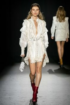 The complete Zadig & Voltaire Spring 2020 Ready-to-Wear fashion show now on Vogue Runway. Fashion Week, Fashion 2020, Runway Fashion, Spring Fashion, High Fashion, Fashion Show, Fashion Design, Fashion Trends, Paris Fashion
