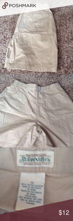 St Johns Bay Khaki Women's Shorts Like new St johns bay khaki shorts with an inseam of 6 inches St. John's Bay Shorts