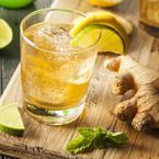How to Make Super Healthy Ginger Ale Drink for Days without Diseases? Enjoy your healthy ginger ale drink and its benefits daily! Ginger Ale, Ginger Juice, Raw Ginger, Ginger Drink, Fresh Ginger, Lime Juice, Turmeric Drink, Ginger Snap, Making Ginger Beer