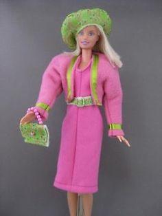 Paris Stroll. €5. Zelfgemaakte Barbie kleding te koop via Marktplaats bij de advertenties van Nala fashion. Homemade Barbie doll clothes (OOAK) for sale through Marktplaats.nl