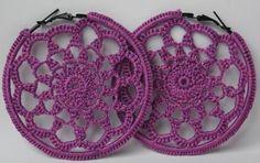Pendientes de ganchillo. pendientes de crochet. aros de ganchillo. aros de crochet. color violeta.
