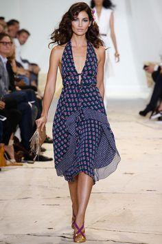 A coleção de Diane von Furstenberg de primavera-verão 2016 apresentada na Semana de Moda de... Mais