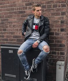 Dbrodowskii - River Island Jacket Tommy Hilfiger Jumpers New Look Jeans Vans Shoes - Keeping old skool by wearing leather jacket Jeans Et Vans, Denim Jeans, Ripped Denim, Distressed Denim, Leather Jeans Men, Leather Jacket Outfits, Black Leather, Biker Leather, Dope Fashion