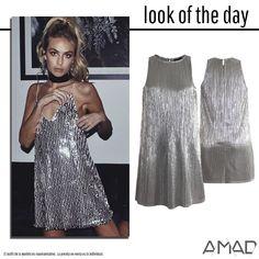 Vestido corto, tela plata plisada