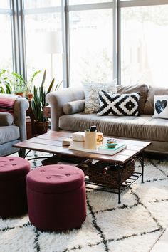 Jen Serafini's Chicago Apartment Tour | The Everygirl