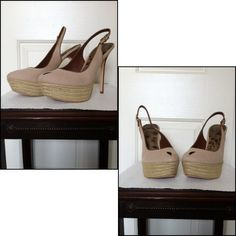 """Sam Edelman Novato Slingback EUC.  Size 10-TTS.  5 1/2"""" Heel.   1 1/2"""" Platform.               Summertime!!  This tear-drop peeptoe is in a sand colored canvas material with a wood stacked heel and jute/espadrille platform. There is an adjustable buckle on the back strap with a small elastic section for added comfort.  Only worn a few times; small scuffs are shown in the pictures.  Please review carefully. Otherwise in great condition. Soles reflect minor wear. Comes with original box…"""