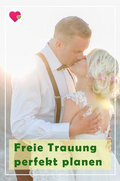 Für Brautpaare, die sich eine feierliche Hochzeitszeremonie jenseits von Standesamt und Kirche wünschen, ist die freie Trauung eine wunderbare Alternative. Hier erfährst du, was die freie Trauung kennzeichnet und was du bei der Planung beachten solltest. #hochzeit #trauung #freietrauung #hochzeitsplanung #liebe Church Weddings, Wedding Ideas, Newlyweds