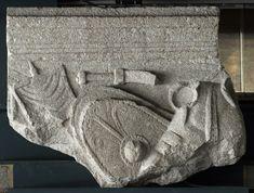 Friso de armas perteneciente a un altar funerario. S. I d.C., Concordia Sagittaria - Museo Civico di Concordia Sagittaria. Inv. C 11808 Foto: Ortolf Harl März 2018 ©