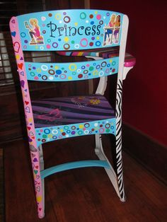 old school desk painted Painted School Desks, Old School Desks, Old Desks, Painted Desks, School Chairs, Rustic Painted Furniture, Painting Old Furniture, Funky Furniture, Furniture Ideas