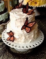 Monarch Butterfly Cake #celebstylewed #weddings #bridal #nuptials