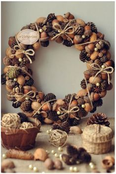 21 Unexpected Wreath DIY Ideas This pine cone and acorn wreath is perfect for your door this holiday season, on Vekoria.This pine cone and acorn wreath is perfect for your door this holiday season, on Vekoria. Diy Fall Wreath, Christmas Wreaths To Make, Noel Christmas, Fall Wreaths, How To Make Wreaths, Christmas Decorations, Wreath Ideas, Christmas Candy, Xmas