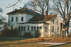coming to an end...so many homes in America like this.....old towns with no one to claim