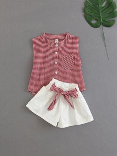 Shop Girls Gingham Blouse With Knotted Shorts online. SHEIN offers Girls Gingham Blouse With Knotted Shorts & more to fit your fashionable needs. Kids Dress Wear, Kids Gown, Toddler Girl Dresses, Girls Frock Design, Baby Dress Design, Baby Frocks Designs, Kids Frocks Design, Girls Fashion Clothes, Baby Girl Fashion