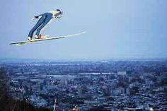 Ski Jumping come scoprirlo sul web una delle discipline meno conosciute ma più spettacolari dell'inverno è certamente lo ski jump o salto con gli sci. famoso nel nord europa non si è ancora diffuso in italia, ma promette emozioni a ch