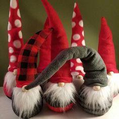 Scandinavian Christmas Gnomes From Socks Sock Crafts, Christmas Projects, Holiday Crafts, Holiday Fun, Swedish Christmas, Scandinavian Christmas, Felt Christmas, Christmas Ornaments, Christmas Knomes