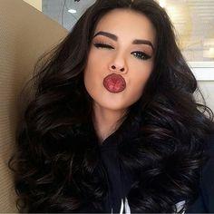 Beautiful color & love her hair! Makeup Tips, Beauty Makeup, Hair Beauty, Makeup Ideas, Cute Makeup, Makeup Looks, Gorgeous Hair, Amazing Hair, Skin Makeup