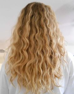Wrapunzel: a DIY deep moisturizing hair treatment from The Curly Girl Handbook by Lorraine Massey Curly Hair Styles, Cute Curly Hairstyles, Wedding Hairstyles For Long Hair, Long Curly Hair, Wavy Hair, New Hair, Blonde Hair, Natural Hair Styles, Bridal Hairstyles
